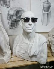 Скульптура Никколо да Уццано в очках